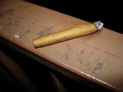 Burning_cigarillo2.jpg