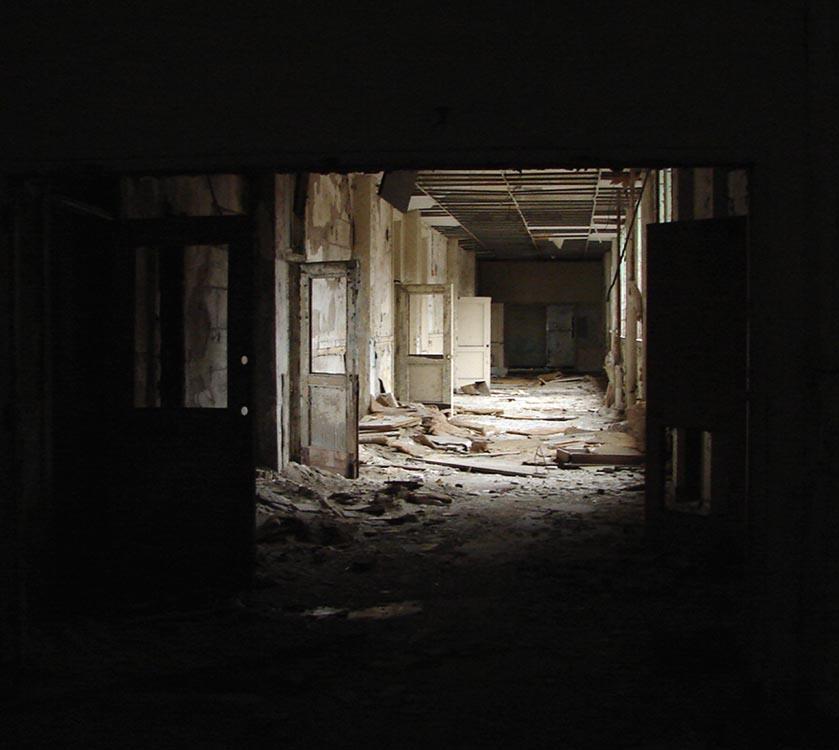Abandoned_School_Hallway.jpg